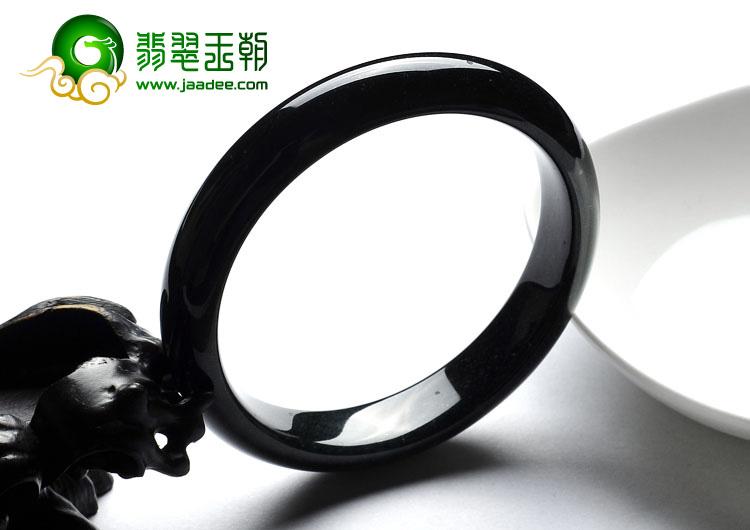 糯冰种墨翠缅甸翡翠A货手镯(57.4mm)