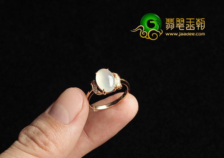 冰种白色镶玫瑰金钻石戒指